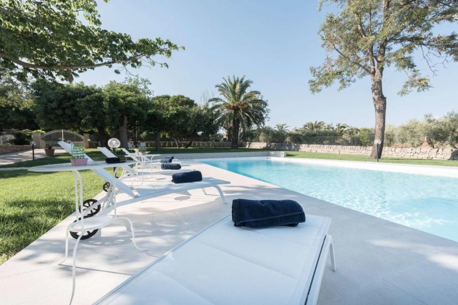 villa-con-piscina-in-affitto-villa-anemone-pozzallo