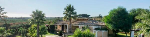 villa-con-piscina-in-sicilia-bouganville-castelvetrano