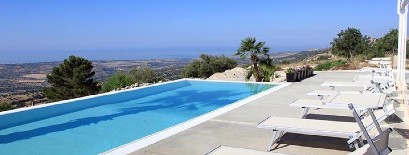 villa-con-piscina-sul-mare-villa-zoe-ragusa