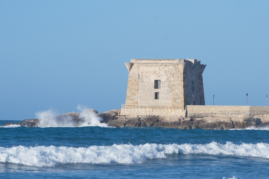 ville-con-piscina-vacanze-sicilia-torre-ligny